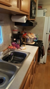 2005 Gulfstream Cavalier kitchen